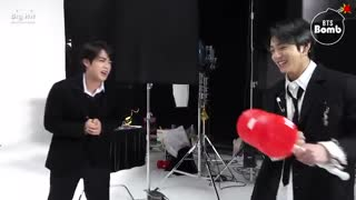 (BANGTAN_BOMB]_Boxing_with_a_Squeaky_Hammer_-_BTS_(방탄소년단]