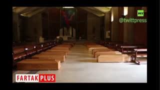 جنازههای در تابوت مانده در کلیسایی در ایتالیا در صف تدفین